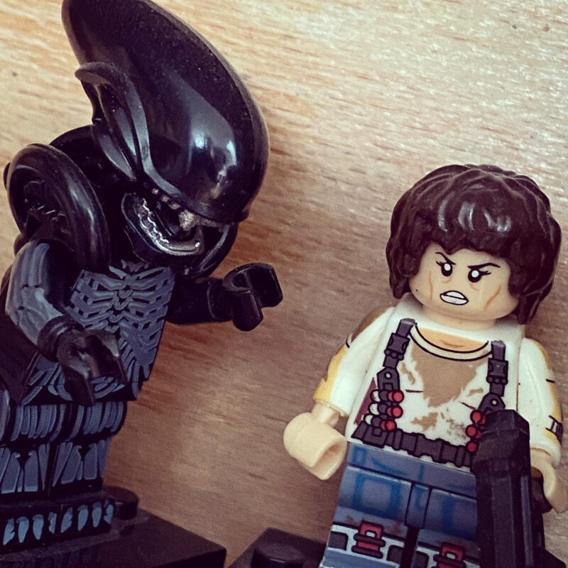 Ripley and Alien lego figures